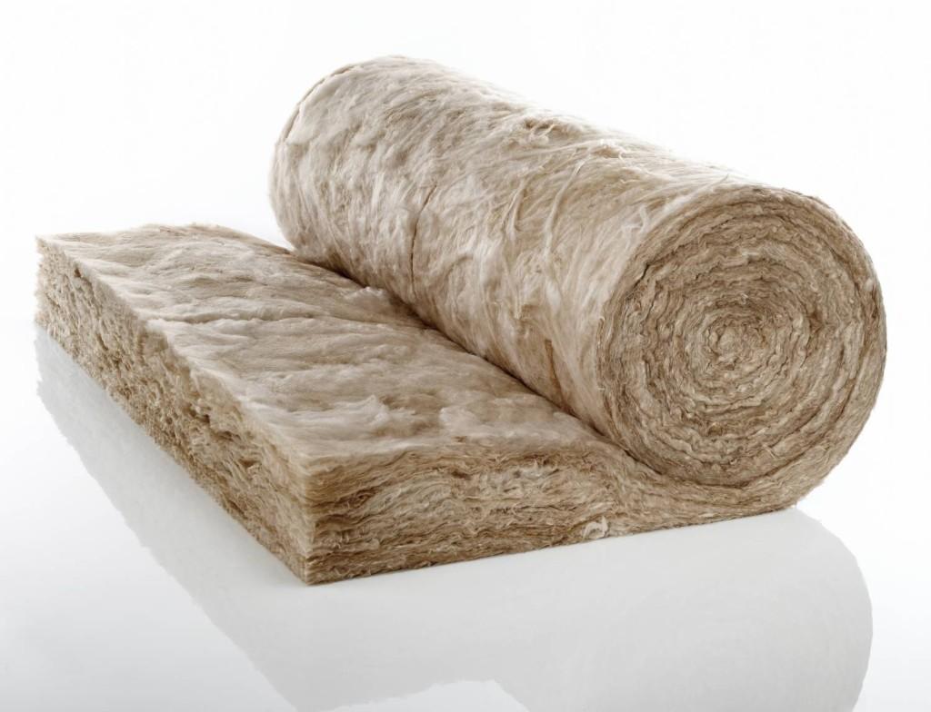 Минеральная вата имеет свои преимущества, но требует каркаса из гипсокартона или пластика.