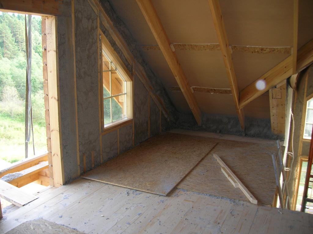 Выбор утеплителя для каркасного дома должен основываться на соотношении цены и качества.
