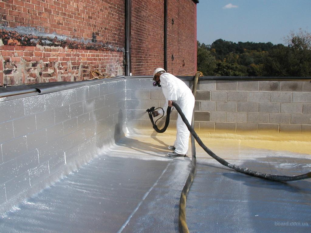 Идеальных утеплителей не существует, но зачастую, можно компенсировать дополнительным гидроизоляционным слоем.
