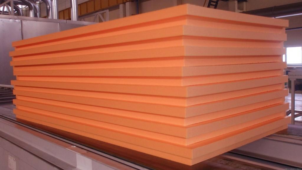 Это универсальный отделочный материал, который используется как для внутренней, так и для фасадной отделки стен и потолка.