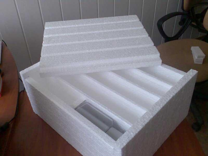 Пенопласт широко используется при производстве упаковок, в том числе, и пищевых