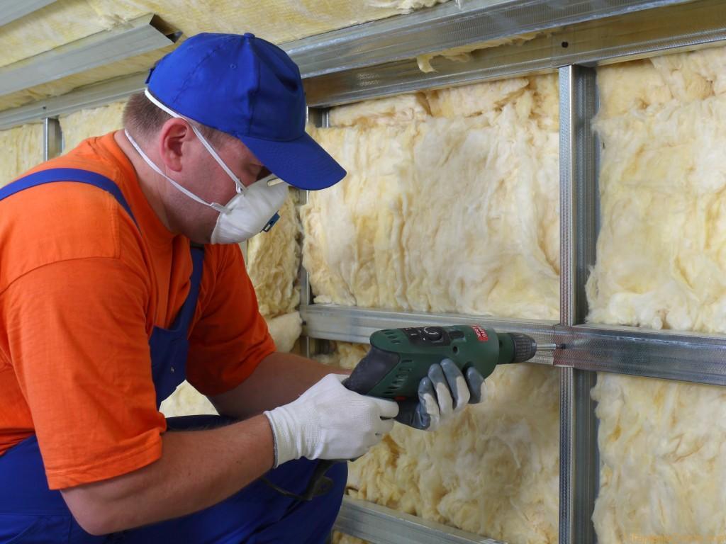Несмотря на достаточно высокую стоимость, минеральная вата обладает отличными качествами теплоизоляции
