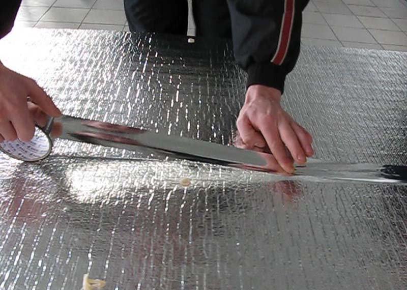 """Материалы для теплоизоляции """"теплого пола"""" схожи с утеплителями для бетонного пола."""