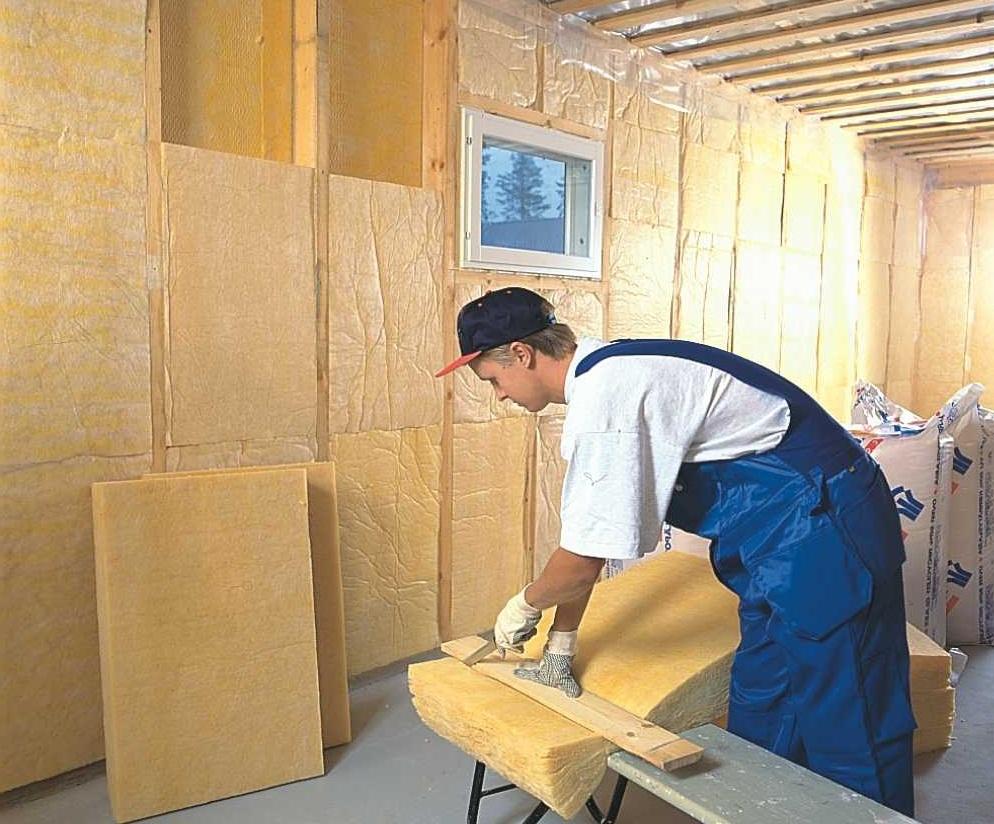 В зависимости от типа жилища вы можете использовать как внутреннее, так и наружное утепление стен.