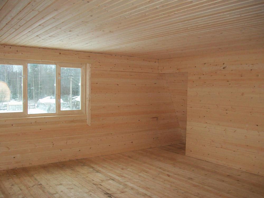 Первым шагов у полноценном утеплении деревянного дома должна стать внутренняя обшивка